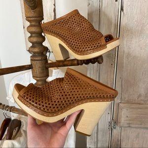 Dolce Vita Cutout Wood Heel Sandal 9